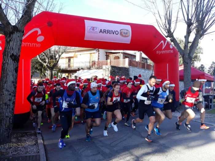 babbi natale Christmas running Valnestore podismo piegaro sport