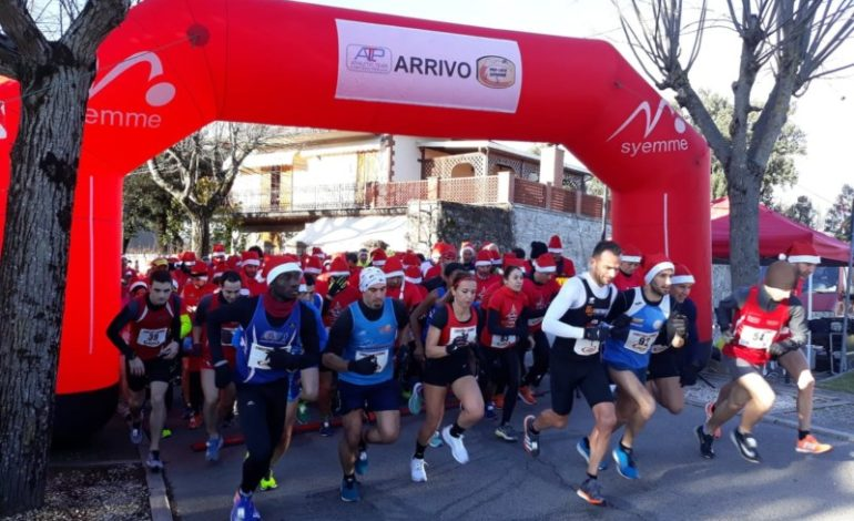 Christmas running Valnestore, in 150 alla corsa dei Babbi Natale