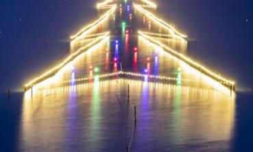 Grande successo di pubblico per l'Albero di Natale sull'acqua, ecco il programma del weekend