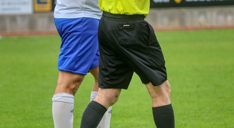 """Calcio: """"juventino"""" ad arbitro, per giudice è offesa"""