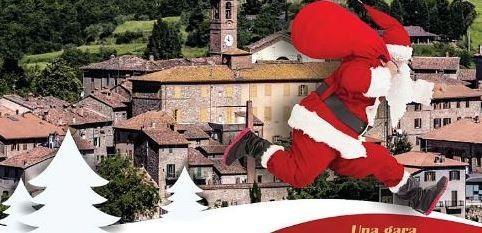 Christmas Running: la corsa dei Babbi Natale si svolge a Piegaro