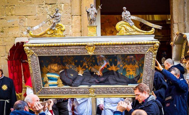Traslazione dei resti del beato Giacomo Villa, dopo 60 anni torna la tradizione