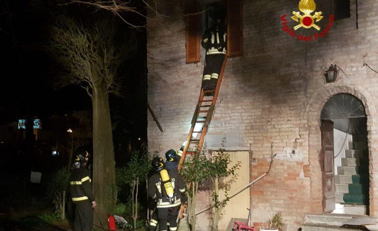 incendio vigili del fuoco castiglionedellago cronaca