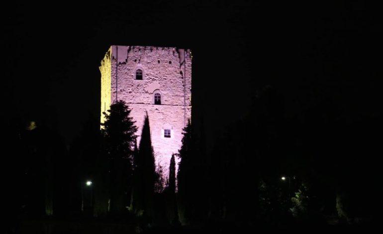 Torre dei Lambardi lilla per combattere i disturbi alimentari