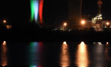 La Centrale Enel di Pietrafitta illuminata dal tricolore