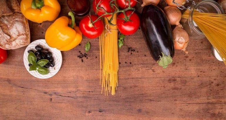 """Famiglie in difficoltà: produttori e comuni impegnati con la colletta alimentare """"AgricolCuore"""""""