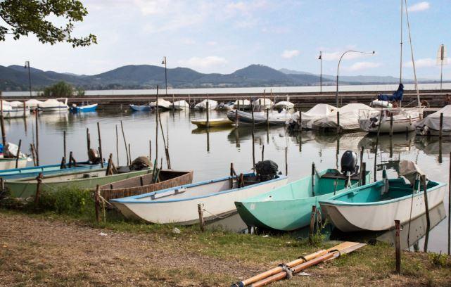 Pescatori del Trasimeno alle prese con fatturato dimezzato e investimenti sospesi