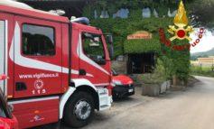 Incendio al ristorante Il Contadino, pompieri al lavoro per spegnimento e bonifica