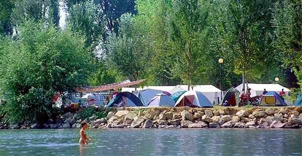campeggi camping coronavirus Covid-19 hotel turismo turisti economia