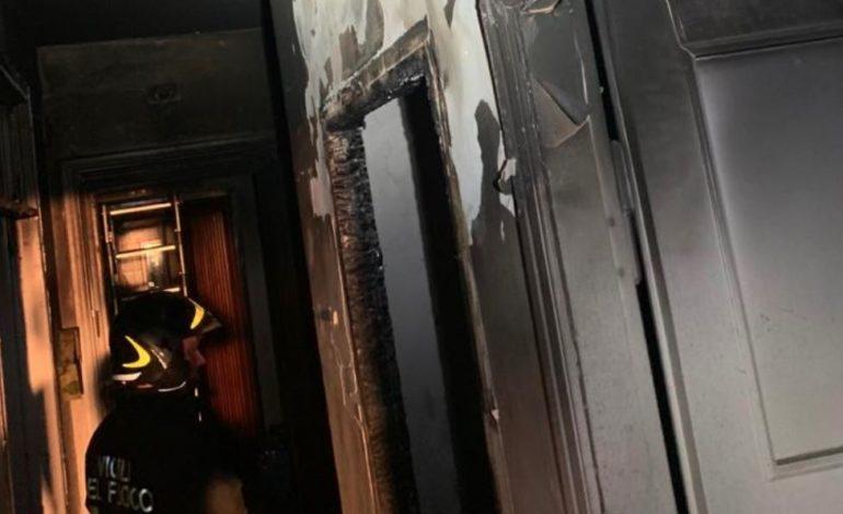 Incendio a Paciano, tre appartamenti resi inagibili dal fumo