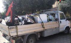 Rifiuti speciali raccolti e smaltiti illegalmente, una denuncia dei carabinieri forestali