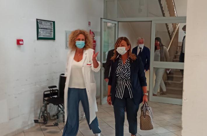 Sanità: la governatrice Tesei visita le strutture del distretto del Trasimeno