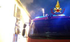 Abitazione in fiamme a Torricella, locali inagibili