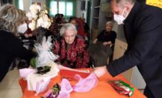 """""""San Sebastiano"""" in festa per i 100 anni di nonna Pierina"""