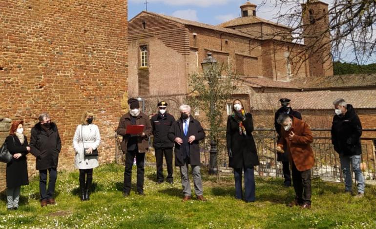 """Alla Rocca Perugina piantato l'""""ulivo della rinascita e della resistenza"""""""