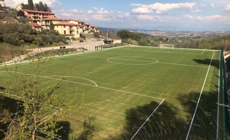 """Ad Agello torna il """"verde"""" nel nuovo campo da calcio"""