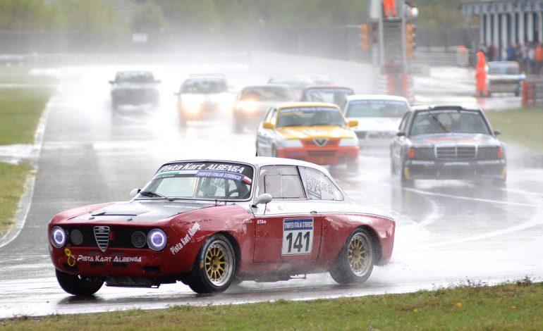 Gare auto all'Autodromo dell'Umbria sotto la pioggia battente