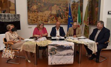 """Presentata la IX edizione di """"Fili in Trama"""", con dedica a Dante e alle donne afghane"""