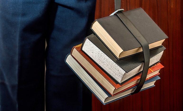 Libri scolastici, pubblicato l'avviso per il contributo all'acquisto