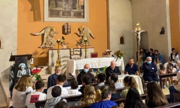 San Feliciano, il cardinale Bassetti ha presentato alla comunità il nuovo amministratore parrocchiale