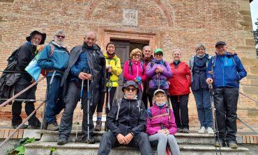 Camminatori del sale di Cervia verso Roma dopo la sosta a Castiglione