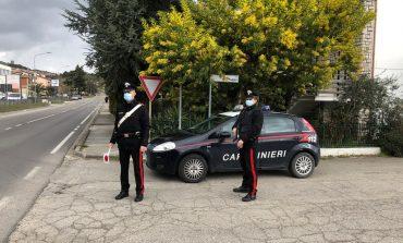 Droga nascosta in auto, i carabinieri denunciano due giovani per spaccio
